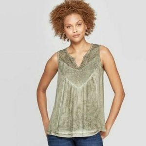 Women's V-Neck Tank Top With Lace - Knox Rose